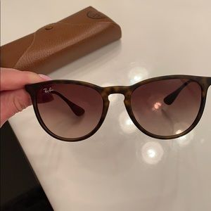 Authentic Erika Metal Ray Bans 😎